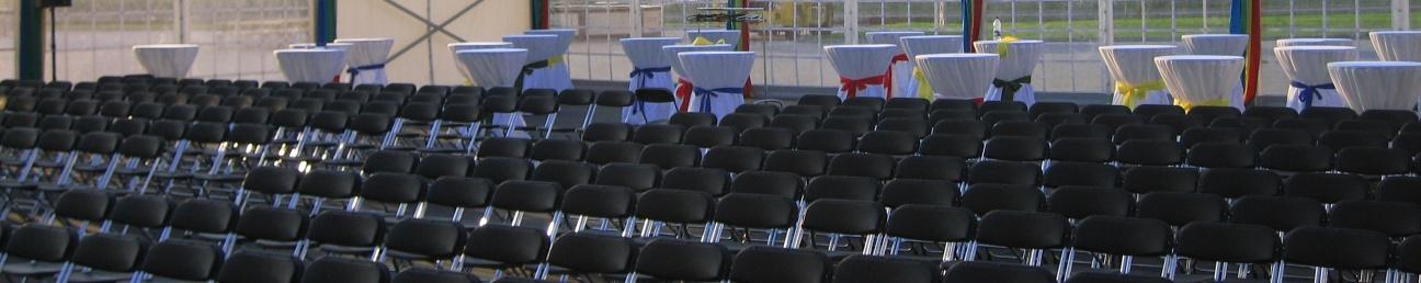 Mobiliar Tische und Stühle