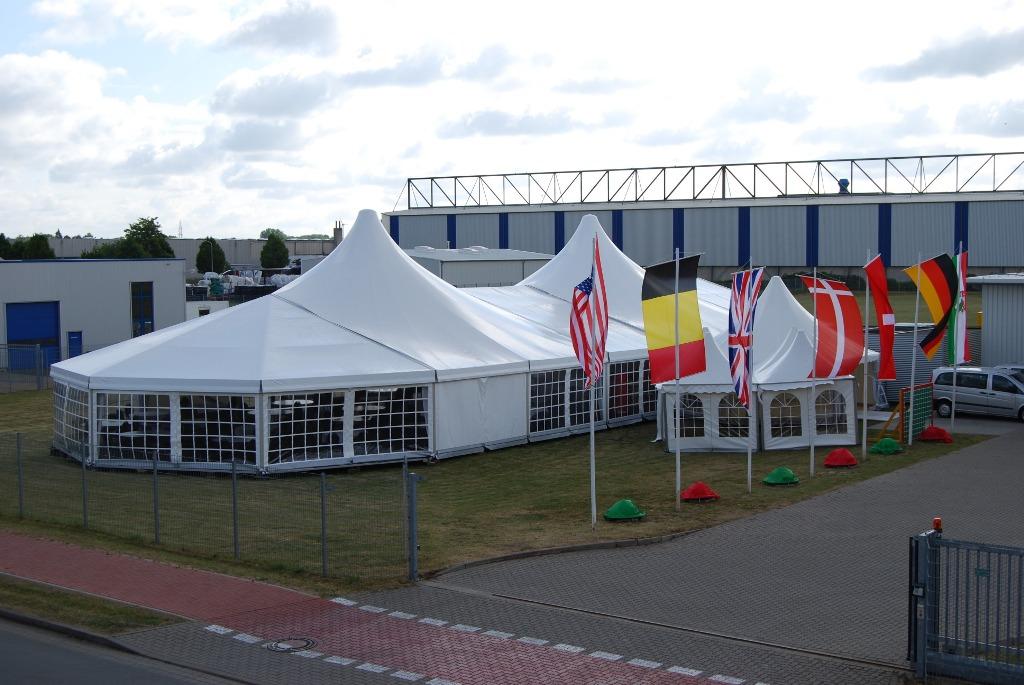 Zelt mit Domfeldern und Abwalmung